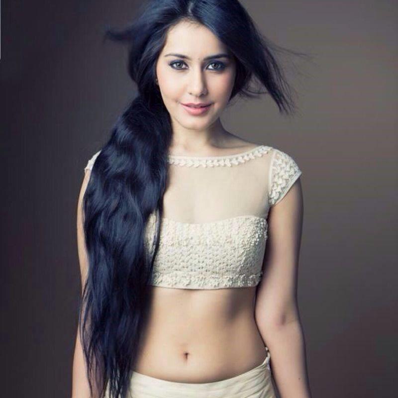 Tollywood Actress Rashi Khanna Hot Photo Gallery15