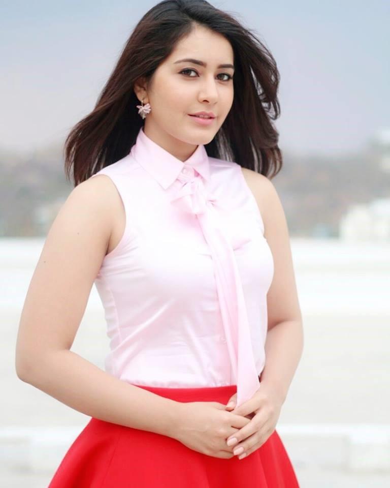 Tollywood Actress Rashi Khanna Hot Photo Gallery4