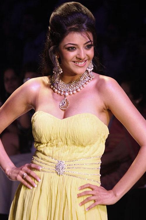 Bollywood Actress Kajal Agarwal Hot Photo Gallery20