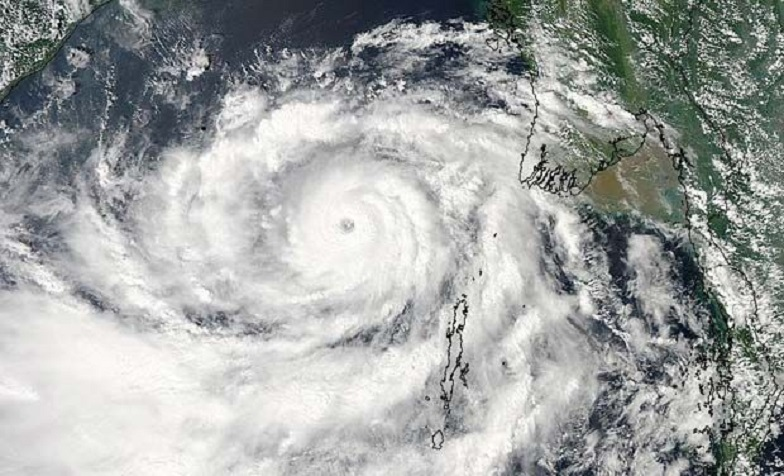 'Vardha' Cyclone getting close to Andhra Pradesh