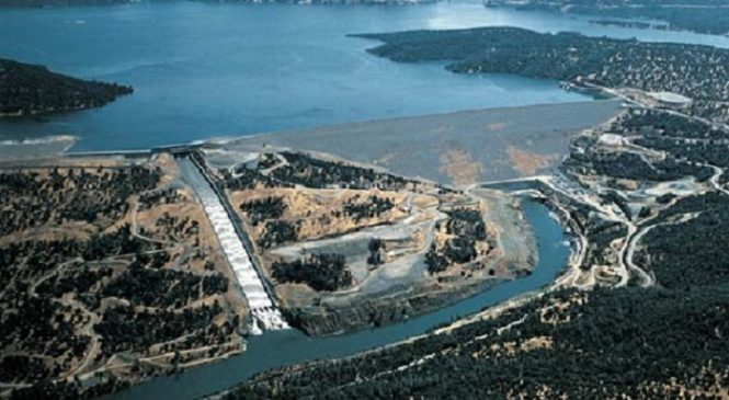 Oroville Dam Spillway Over Flowing Crisis in California
